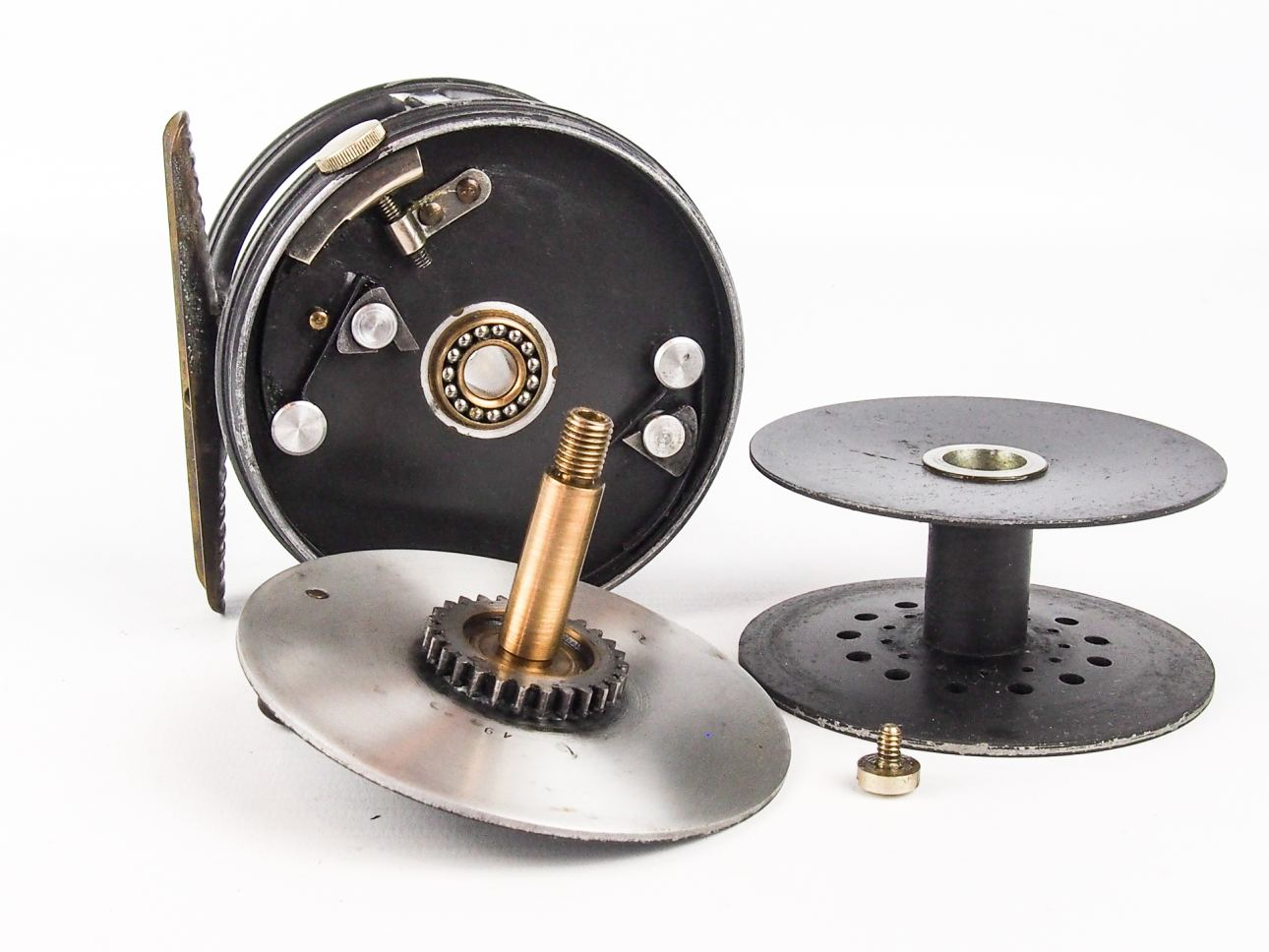 Hardy 3 3 4 perfect salmon fly reel vintage fishing tackle for Antique fishing reels price guide