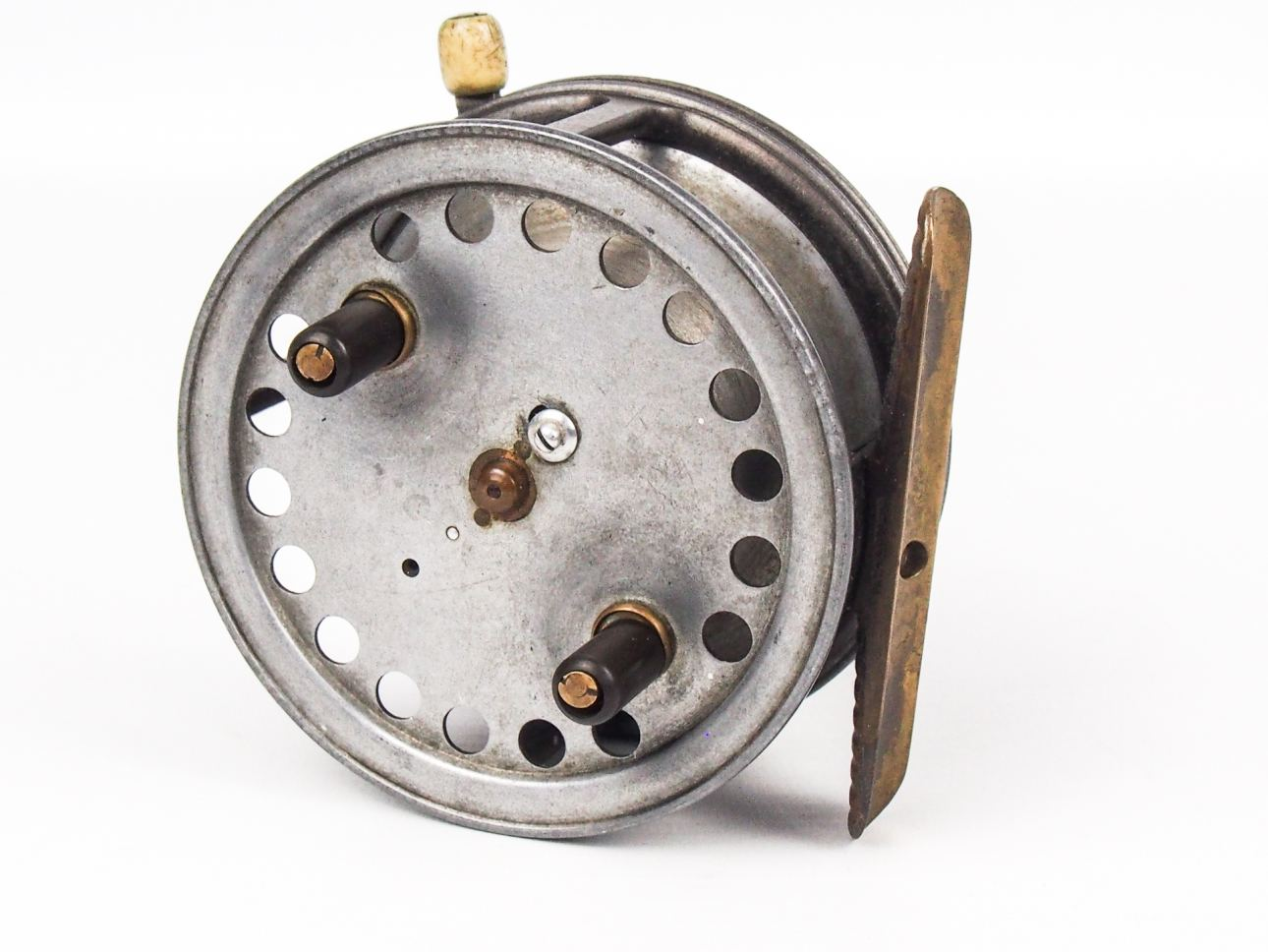 Hardy 3 1 2 super silex bait casting reel vintage for Vintage fishing reels for sale